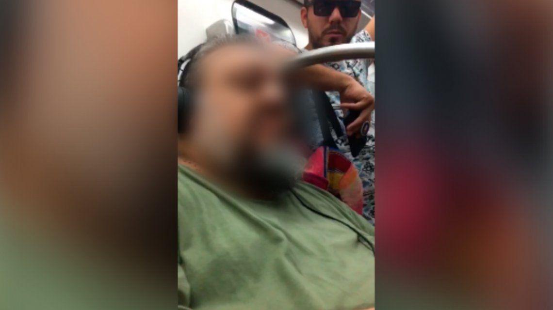 Escracharon a un depravado que sacaba fotos a mujeres en el subte