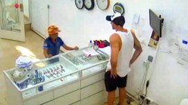 El joyero que echó al nene que quiso robarle pidió que lo ayuden: Ya bastante está sufriendo