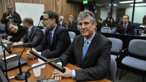 Amado Boudou con sus abogados