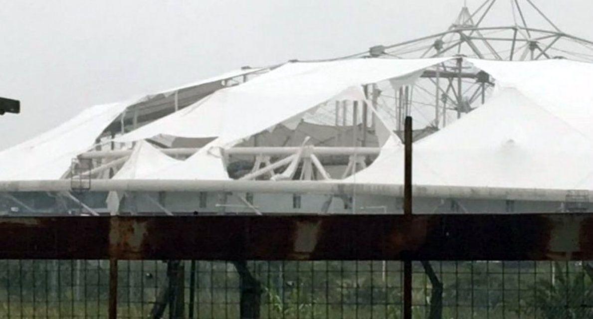 El techo del Estadio Único de La Plata quedó arruinado por el temporal