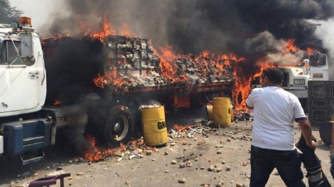 Venezuela: Macri responsabilizó a Maduro por la quema de ayuda humanitaria