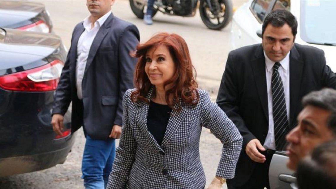 Procesaron a Cristina Kirchner por el uso indebido del avión presidencial
