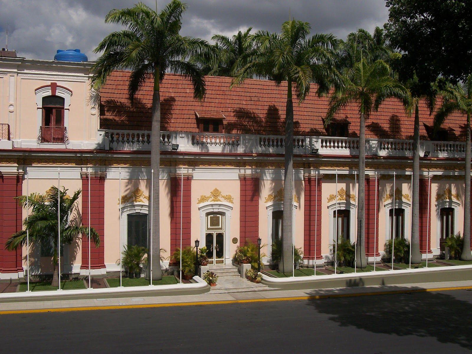 Nicolás Maduro ordenó retener a un grupo periodístico en el Palacio de Miraflores