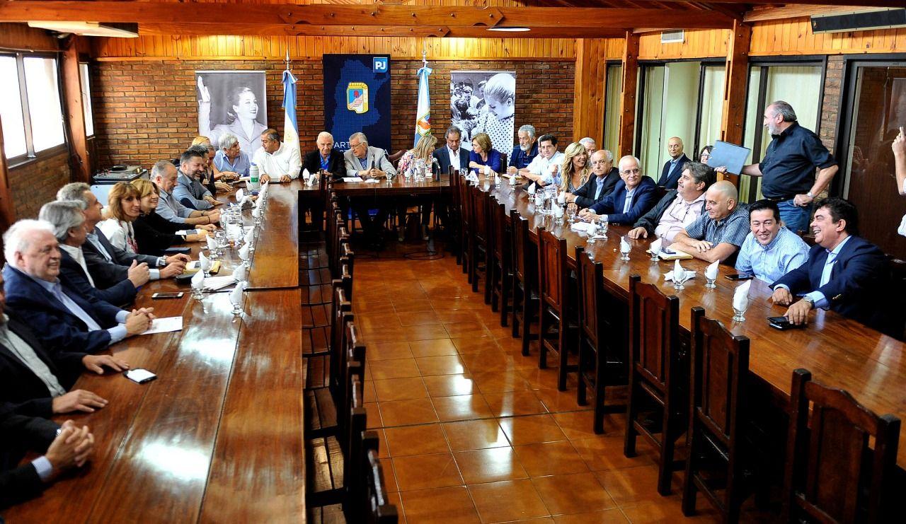 Espinoza: Seguimos agrandando este gran frente pluralista, democrático y amplio