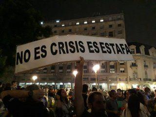 Masivo ruidazo nacional en Plaza de Mayo