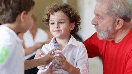 Lula salió de la cárcel para asistir al velorio de su nieto de 7 años