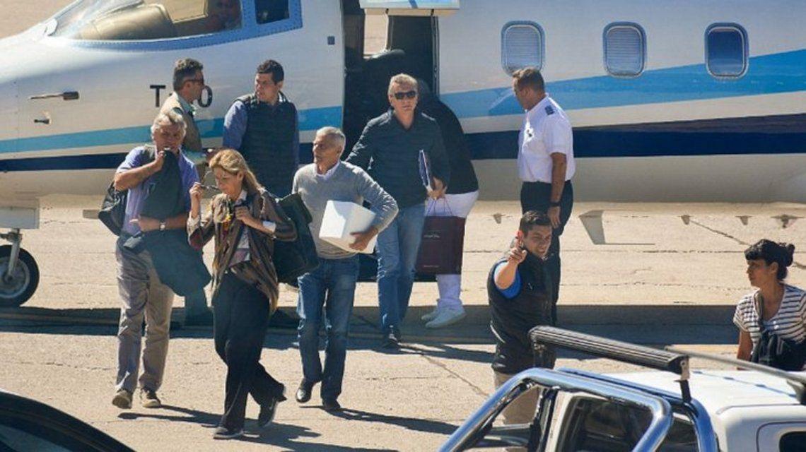 El Presidente vuelve a la Ciudad desde San Martín de los Andes tras la muerte de Franco Macri