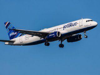 la low cost jet blue ofrece vuelos gratis por un ano a quienes borren todas sus fotos de instagram