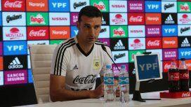 Scaloni en conferencia (Foto: @Argentina)