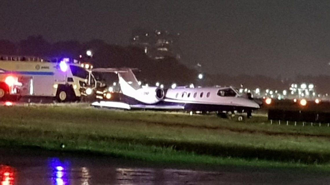 Se despistó un avión privado cuando aterrizaba en Aeroparque