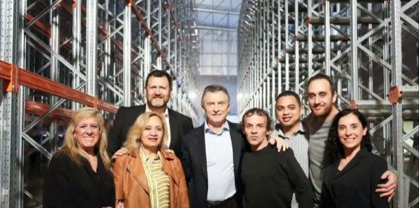Mauricio Macri en su visita a Norughi<br>