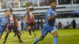 Belgrano goleó a Patronato y sueña con salvarse del descenso