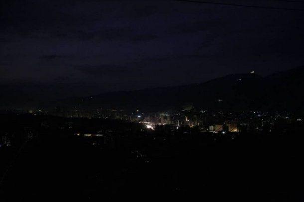 Apagón en Caracas - Crédito: @jguaido