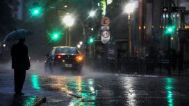 Se espera una jornada ventosa con probables lluvias hacia la noche en la Ciudad