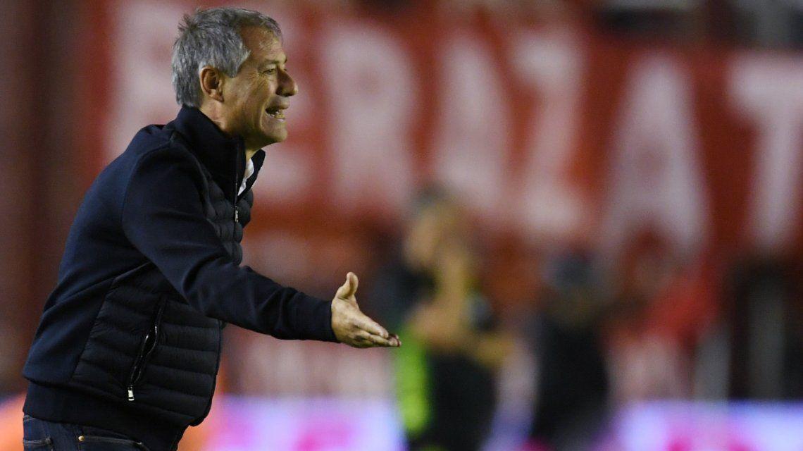 Descargo furioso: el desagradable gesto de Holan hacia un hincha de Independiente