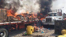 Video revelador: la ayuda humanitaria a Venezuela habría sido quemada por antichavistas