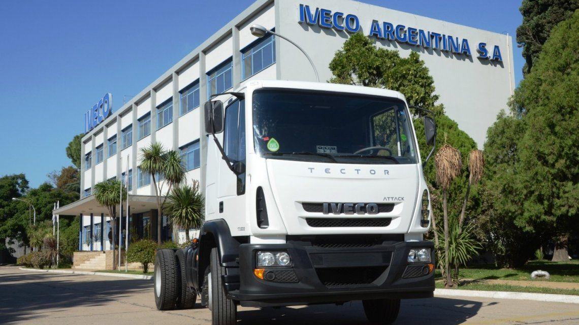 Ahora le llegó el turno a Iveco: suspendieron a 900 trabajadores