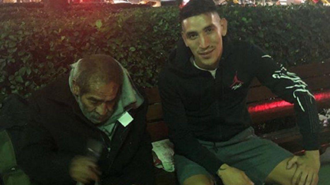 El gran gesto de Ricardo Centurión con un hombre en situación de calle