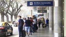 Desde hoy, solo se podrá pagar taxis con tarifa prefijada en Aeroparque