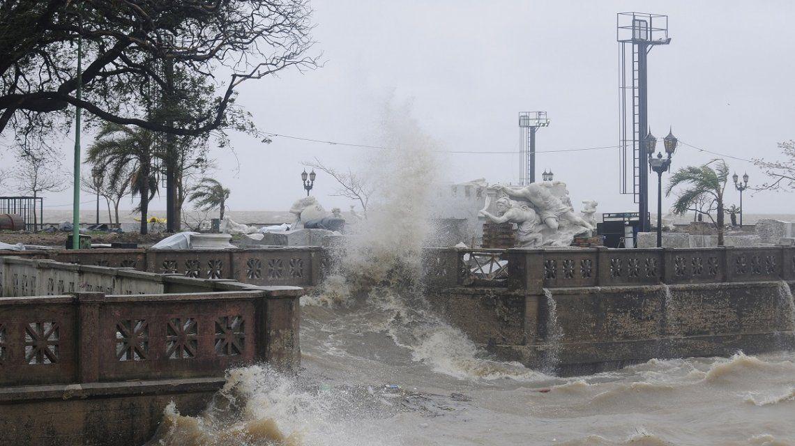 Fuertes vientos en la Costanera del Río de la Plata