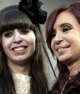 Cristina despidió a su madre  y se va a Cuba a visitar a Florencia
