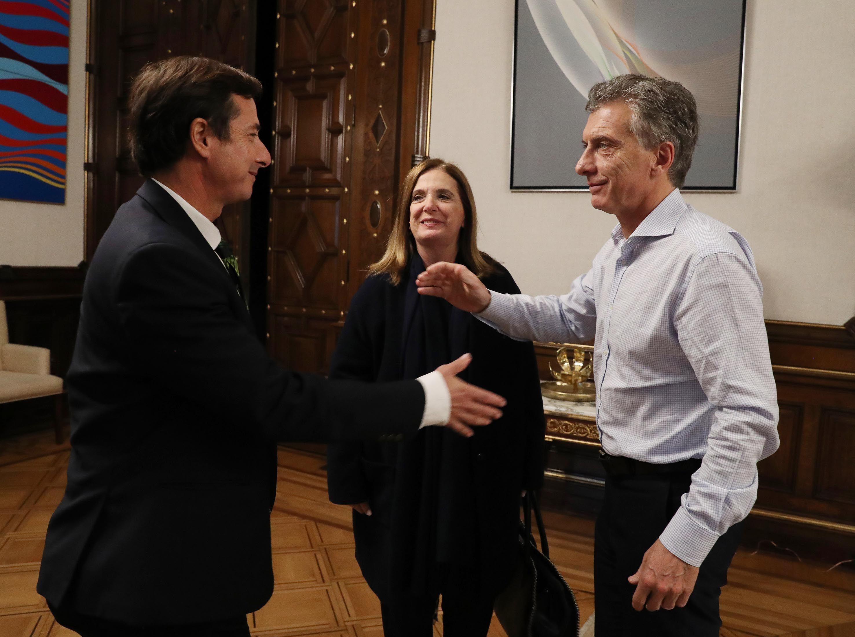 Daniel Lipovetsky con Mauricio Macri y Carmen Polledo