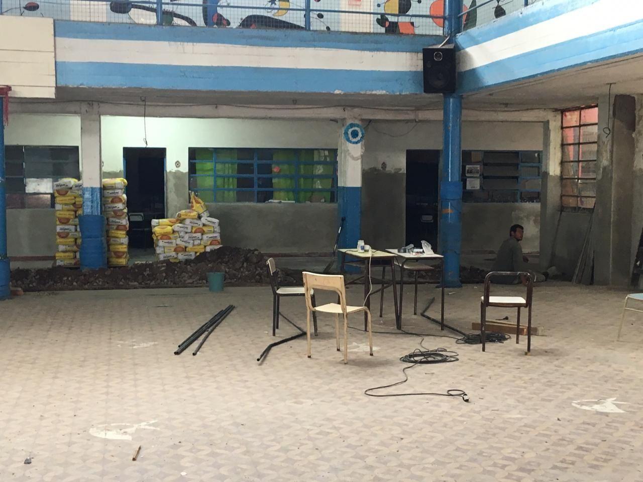 Es una escuela de Moreno que alberga a 900 alumnos, pero le faltaban las habilitaciones y denuncian que la desmantelaron