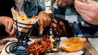 Cada vez es más caro el recargo que hacen los restaurantes por compartir los platos