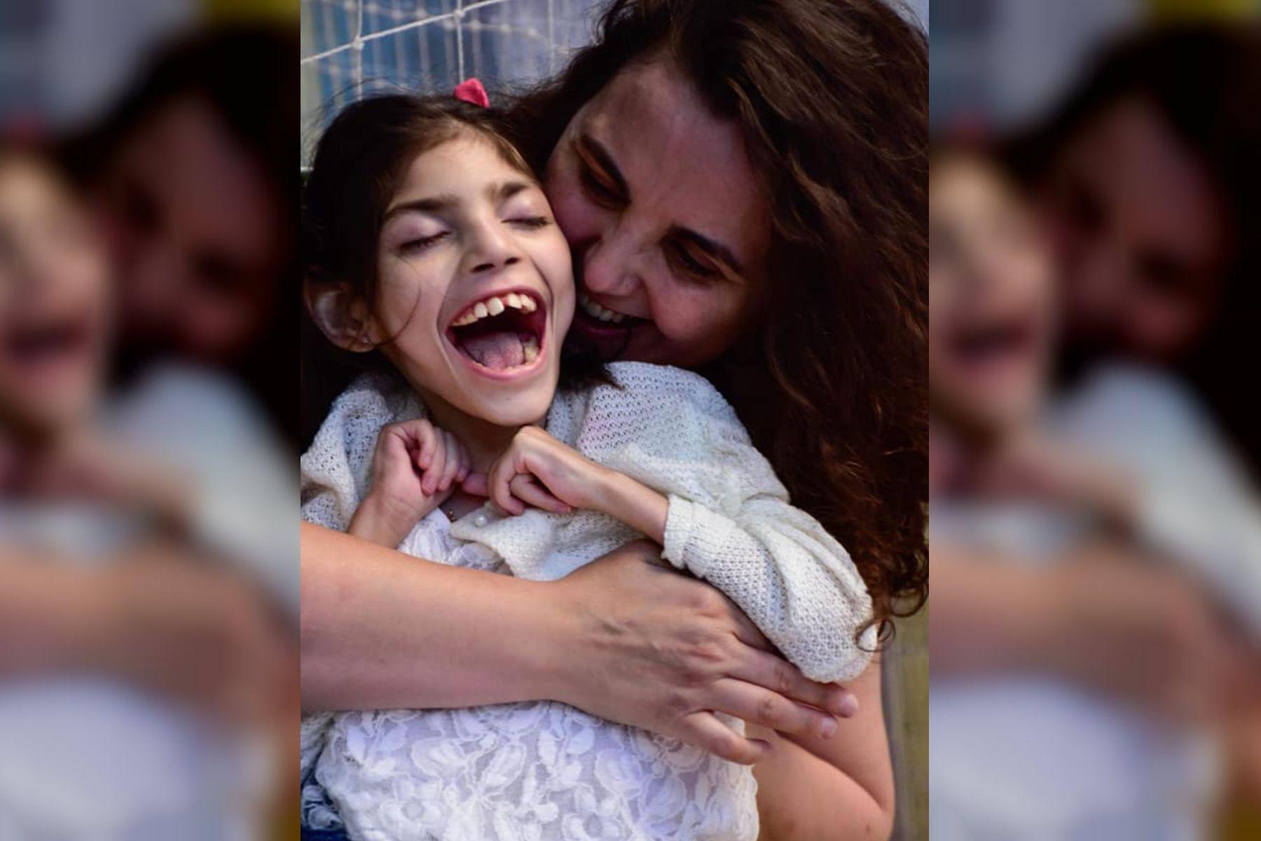 Le robaron el celular con las fotos de su hija muerta y pide que se lo devuelvan