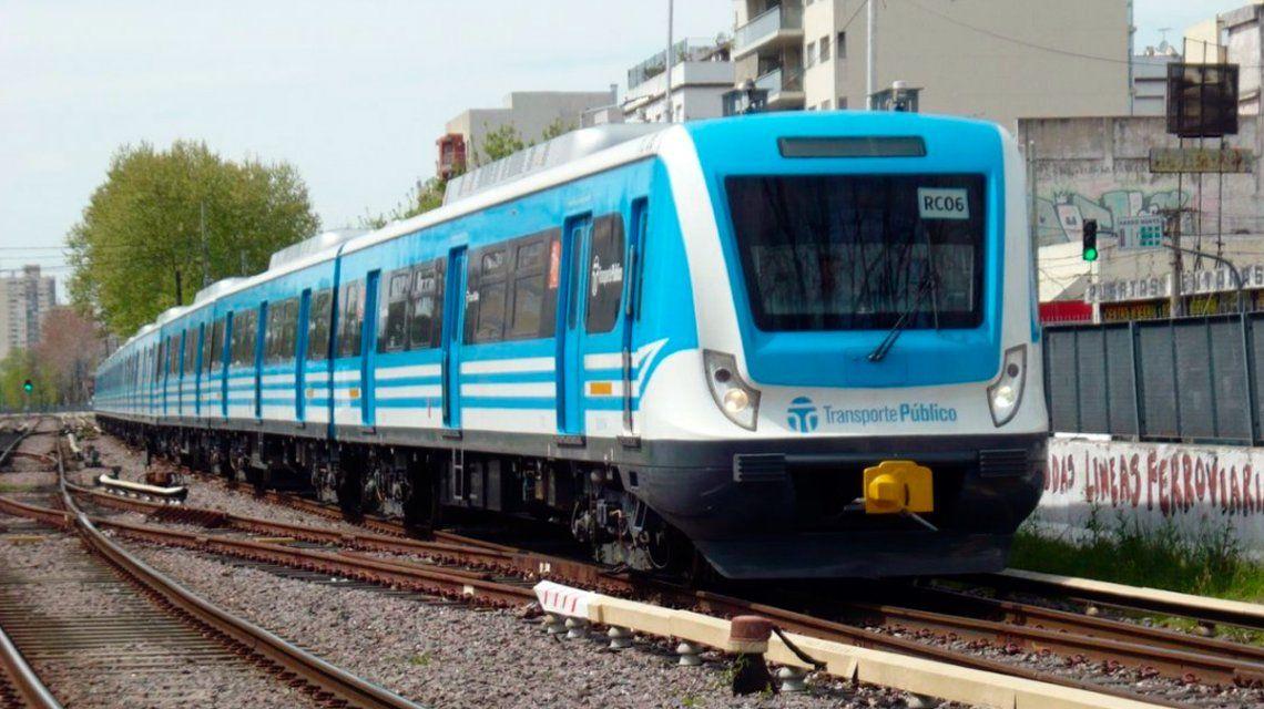 Un operario murió al caer del techo de la estación Castelar del tren Sarmiento