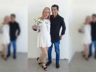 se caso y a los 20 dias aparecio ahorcado: su mujer esta detenida por intentar matarlo