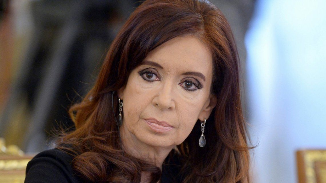 Cristina Kirchner vuelve a la Argentina tras acompañar a su hija Florencia en Cuba