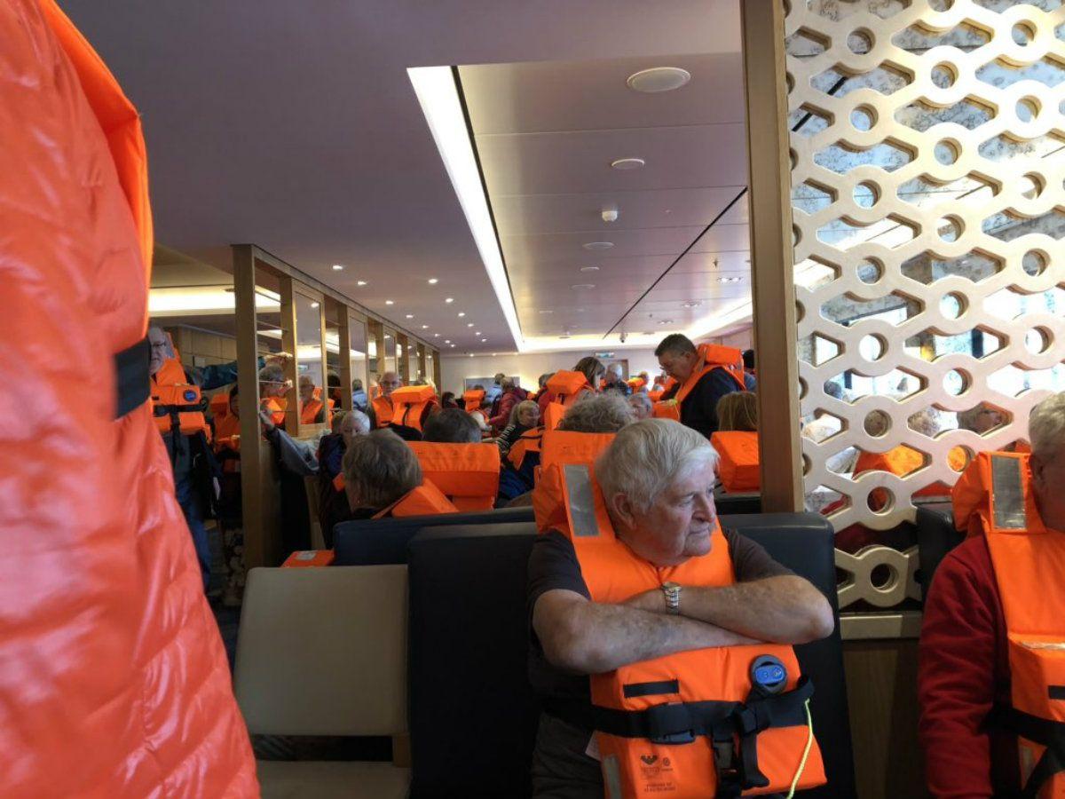 Al menos 1300 personas quedaron varadas en un crucero en las costas de Noruega