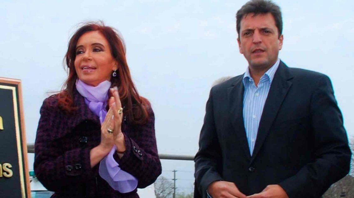 Cristina se solidarizó con Massa por el robo de información en su oficina