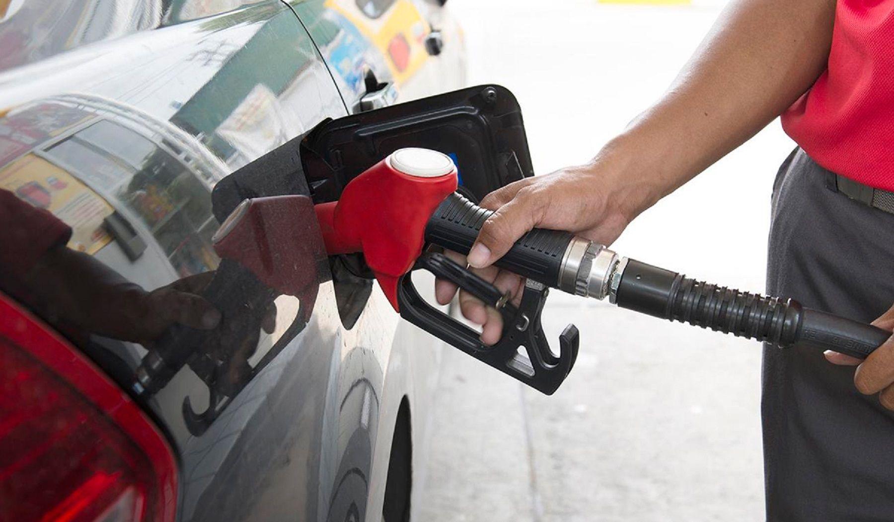 Termina el congelamiento en las naftas y este jueves aumentarían hasta un 6%
