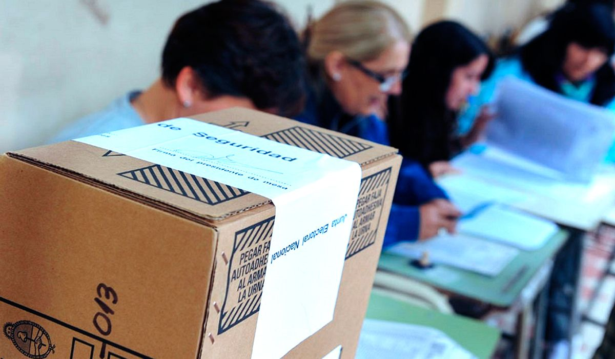 Por miedo a la unidad del PJ, el Gobierno oficializó la prohibición de las listas colectoras