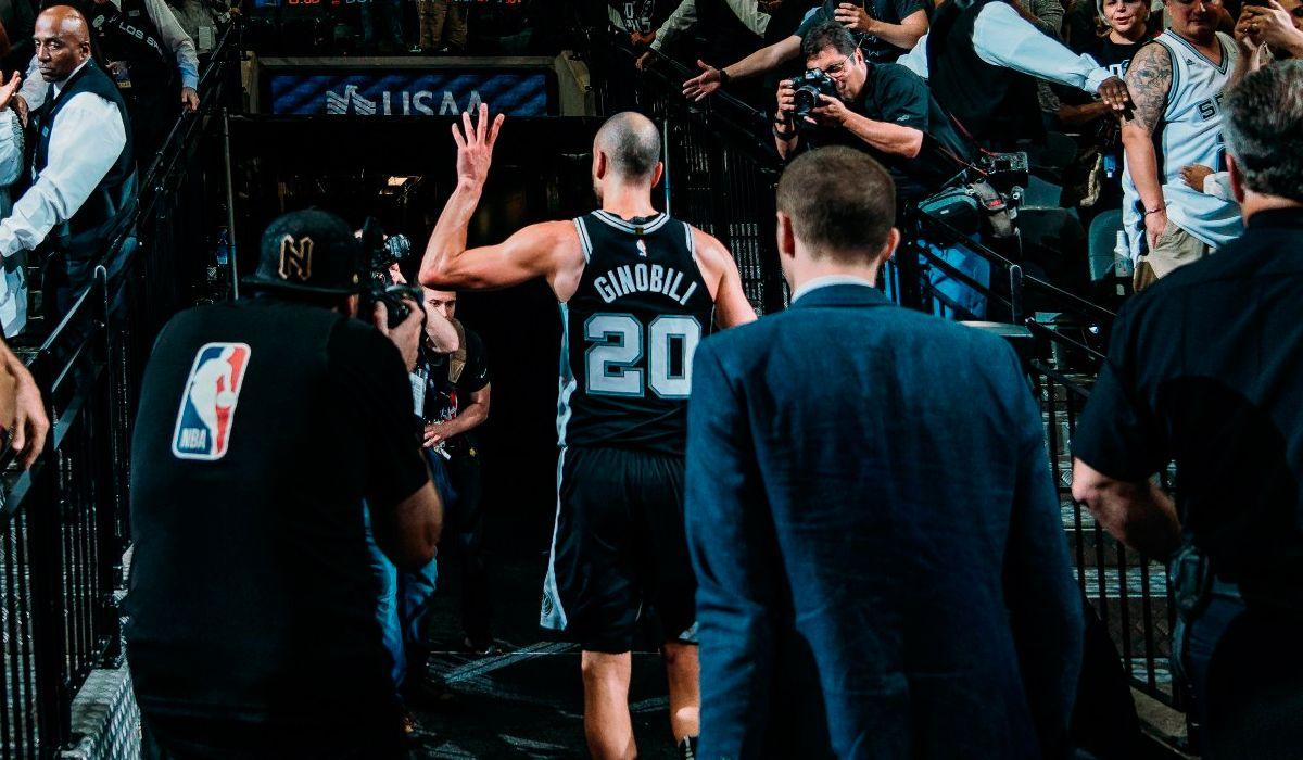 NBA: los Spurs de San Antonio retiran la camiseta número 20 de Manu Ginóbili