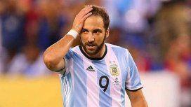 Higuaín le puso fin a su ciclo en la Selección y castigó a quienes lo critican