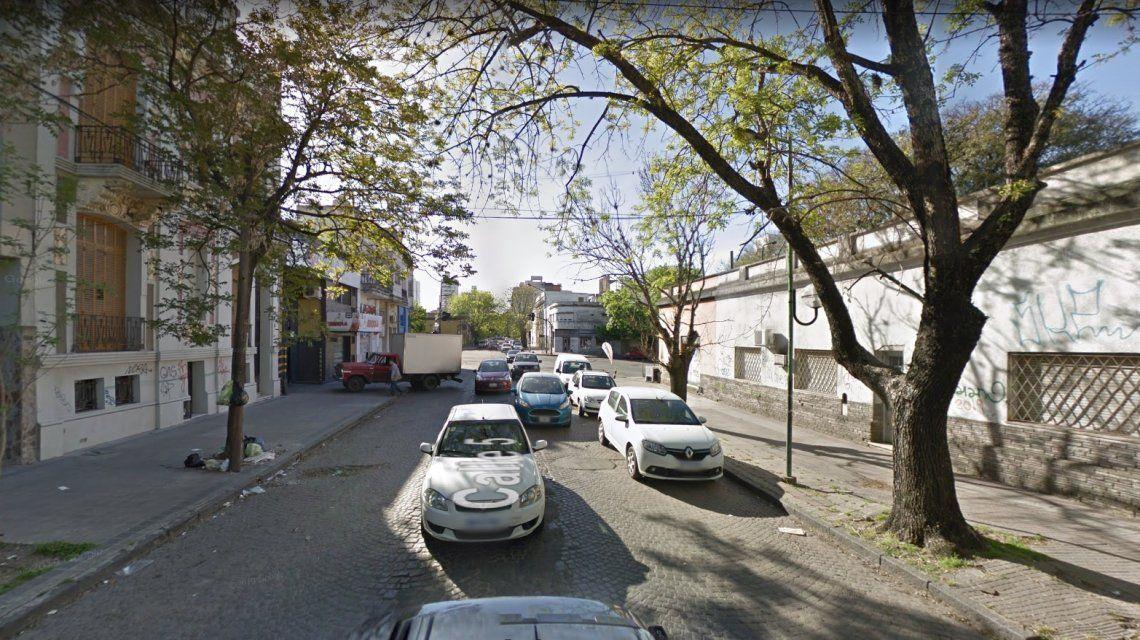 Mientras dormían, hombres arañas los sorprendieron y desvalijaron tres departamentos de La Plata