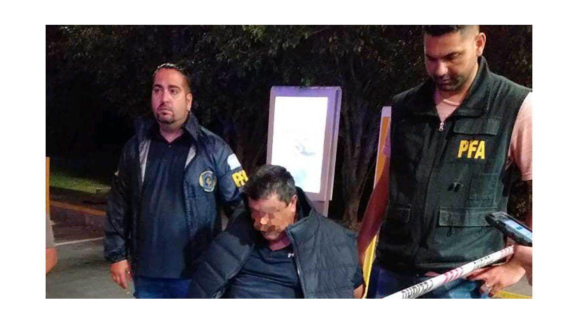 Uno de los detenidos de la Policía Bonaerense.