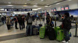 Hay demoras y cancelaciones en Aeroparque por una protesta del personal técnico
