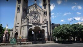 VIDEO: Así quemaron el altar de una iglesia en Caballito