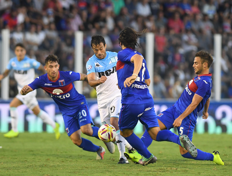 Con cuatro partidos a la vez por los descensos, así se jugará la última fecha de la Superliga