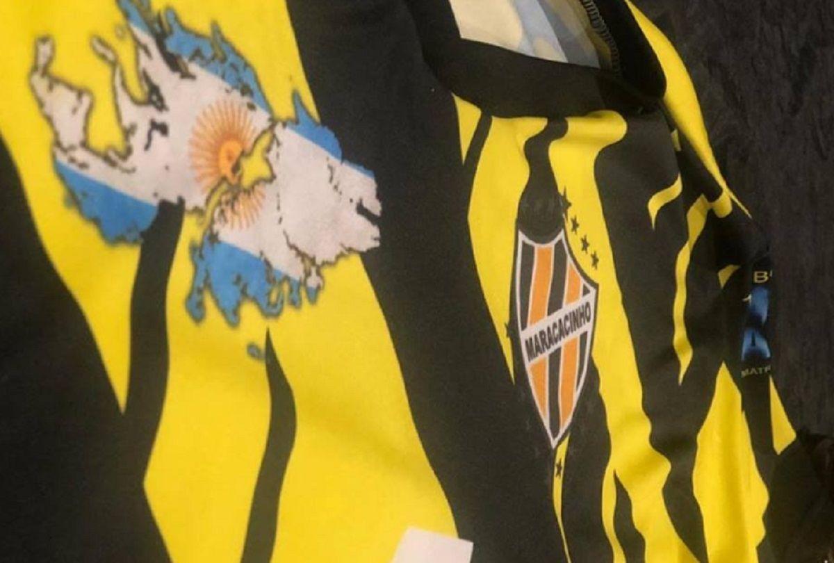 La camiseta de Maracacinho y el homenaje a Malvinas