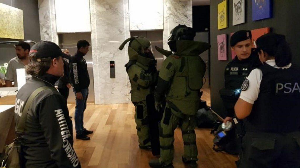 Este es el operativo que desencadenó la detención de dos artistas chilenos