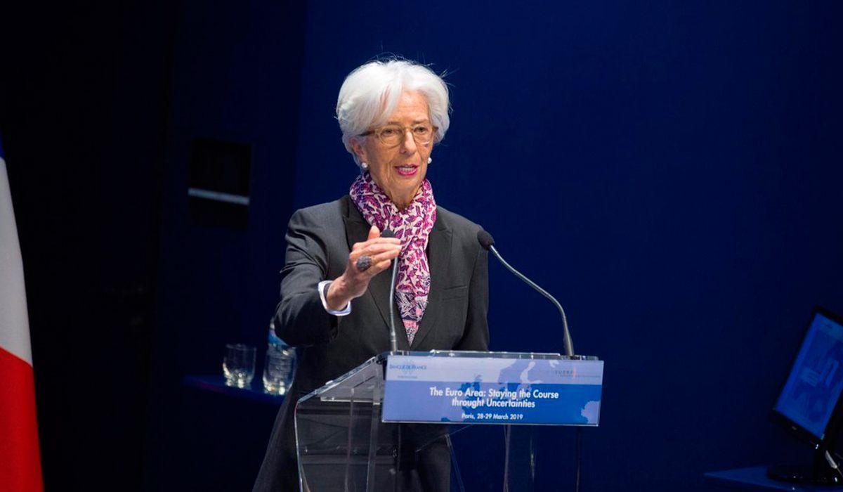 Lagarde dice que Argentina está saliendo de la crisis y lanzó una amenaza a los candidatos presidenciales