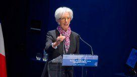 El FMI dice que el país está saliendo de la crisis y lanzó una amenaza a los presidenciables