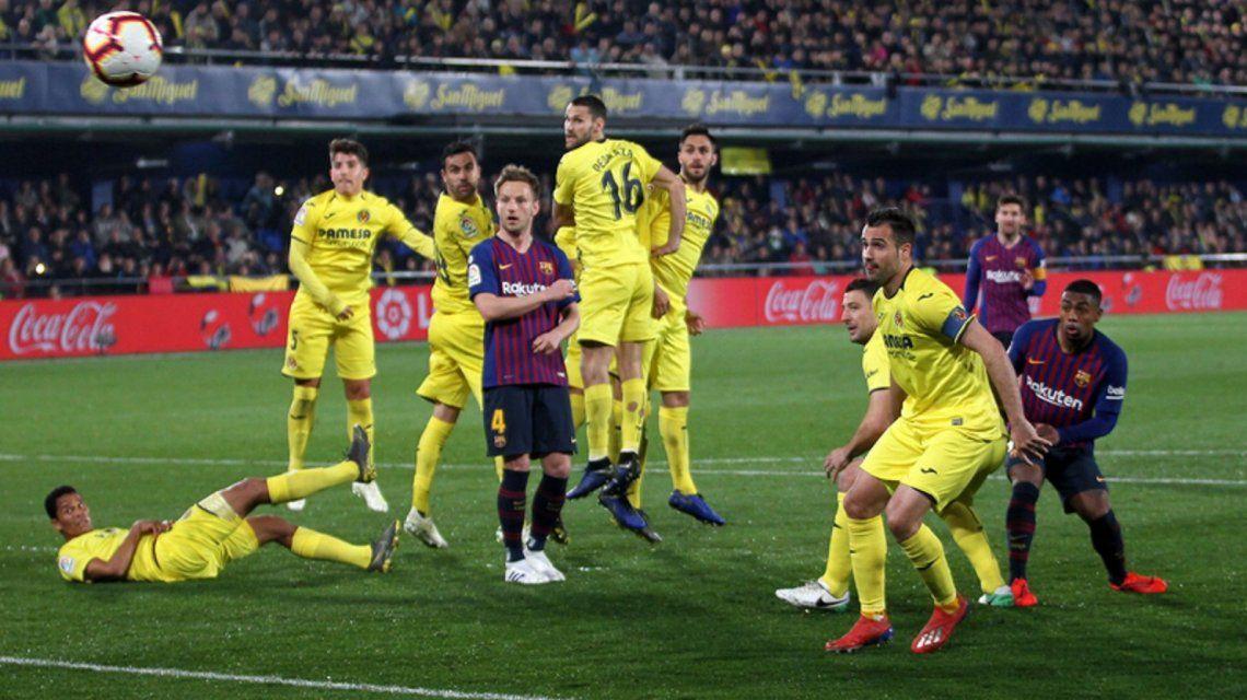 El golazo de tiro libre de Lionel Messi en el empate de Barcelona ante Villarreal