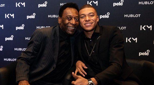 Pelé y Mbappé en un evento publicitario en París