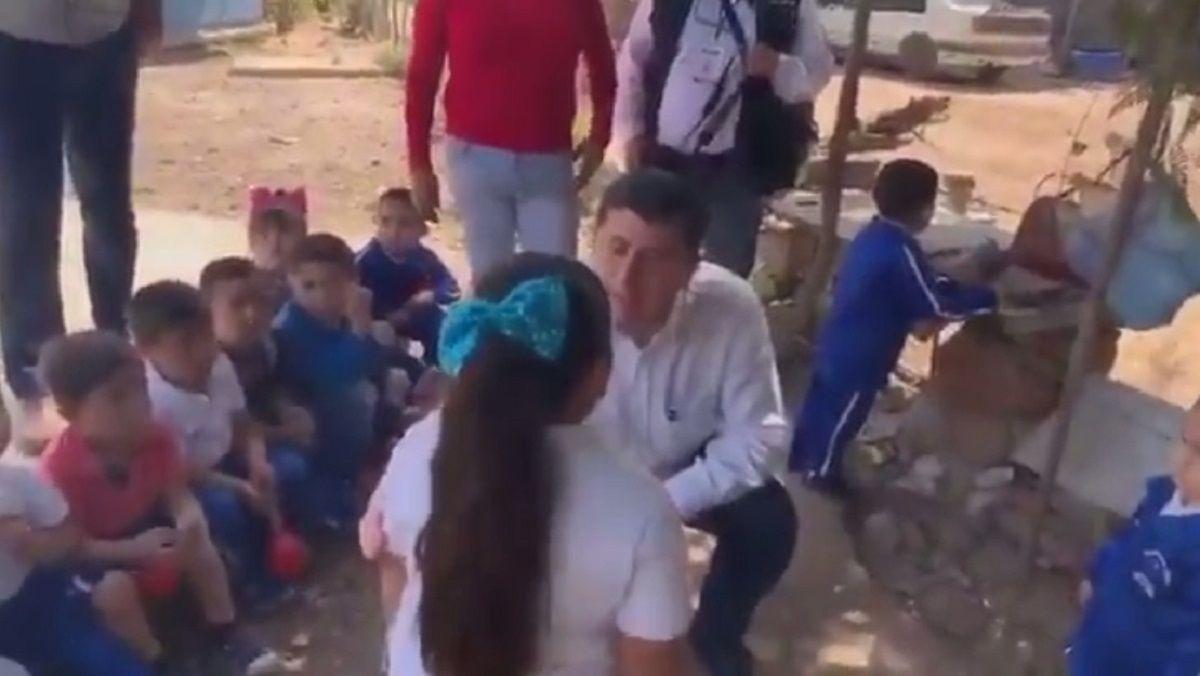 VIDEO: Escándalo por un alcalde que discriminó a una nena de 5 años